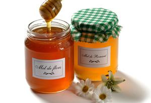 Miel y cera de abejas para unas manos cuidadas