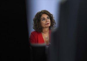 La ministra portavoz y de Hacienda Maria Jesús Montero, en una rueda de prensa en La Moncloa.