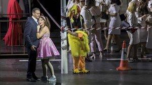 Un momento de la representación de La flauta mágica en versión de Graham Vick en el Paleu de les Arts de Valencia