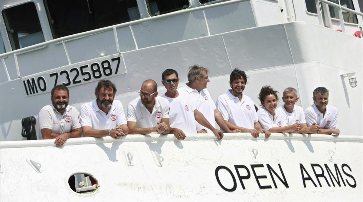 El nuevo barco insignia de la oenegécatalana Proactiva Open Arms,el Open Arms, un remolcador de altura remodelado durante los ultimos meses en Galicia,presentado en el puerto de A Coruna.