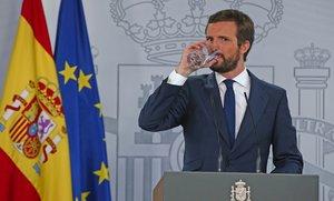 El líder del PP, Pablo Casado, tras su reunión en la Moncloa con el presidente del Gobierno, Pedro Sánchez, este 2 de septiembre.