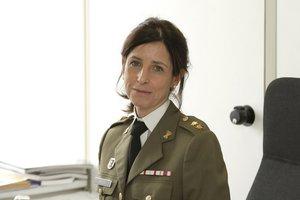 Defensa convoca por primera vez a una mujer para el ascenso a general