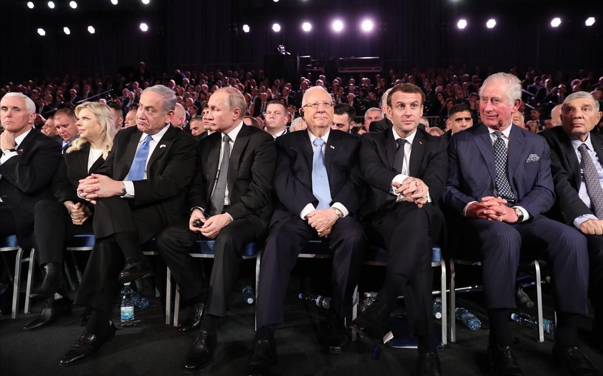Pence, Netanyahu, Putin, Rivlin, Macron y el príncipe Carlos, en el acto en Jerusalén.