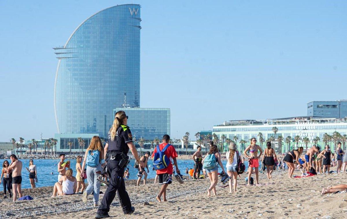 La playa de la Barceloneta, esta mañana.