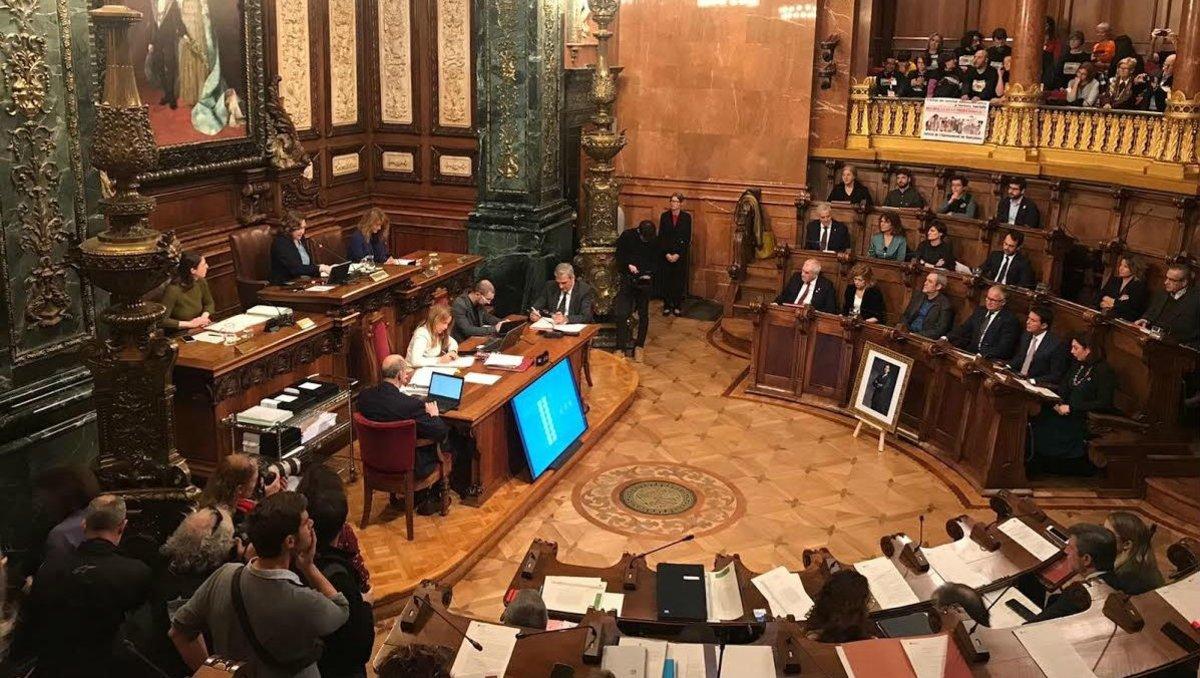 El ple exigeix a Colau una decisió «clara i definitiva» sobre l'Hermitage