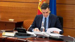 El presidente del Gobierno, Pedro Sánchez, durante el Consejo de Ministros del pasado 31 de marzo.