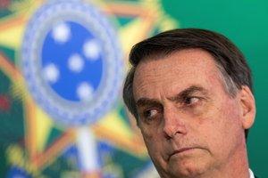 BRA123 BRASILIA BRASIL 07 11 2018 - El presidente electo de Brasil Jair Bolsonaro y el actual mandatario Michel Temer fuera de cuadro ofrecen una declaracion conjunta en el Palacio del Planalto sede del Gobierno hoy miercoles 7 de noviembre de 2018 en Brasilia Brasil EFE Joedson Alves