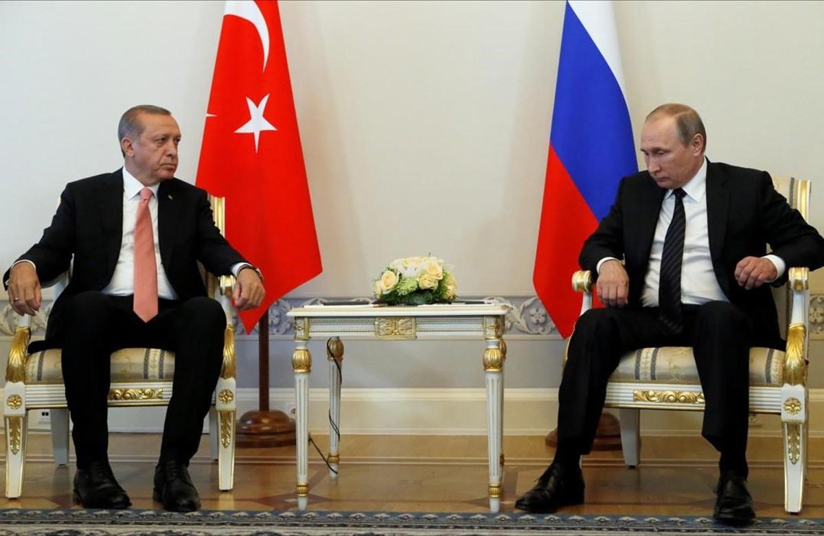 El presidente ruso Vladímir Putin y su homólogo turco Tayyip Erdogan en San Petesburgo.