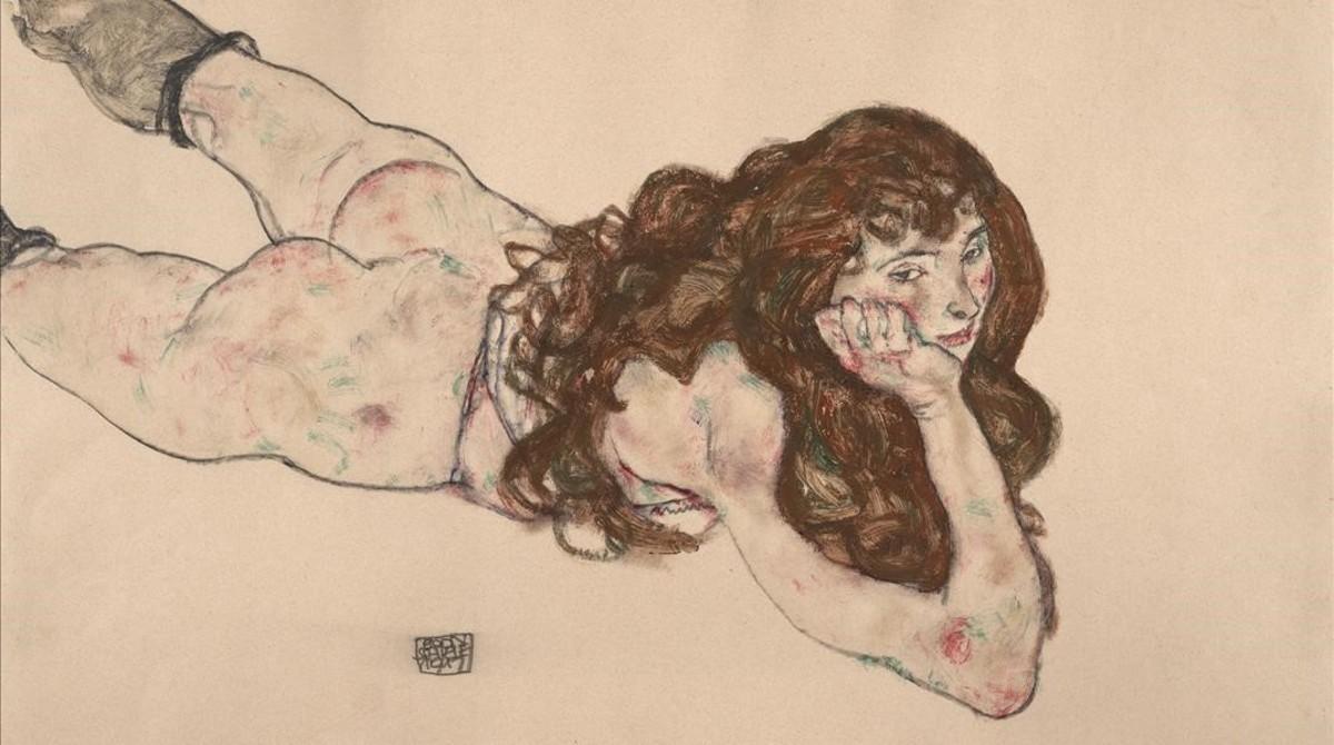 Egon Schiele. Mujer desnuda sobre su vientre, 1917. Lápiz y colores opacos sobre papel japonés.