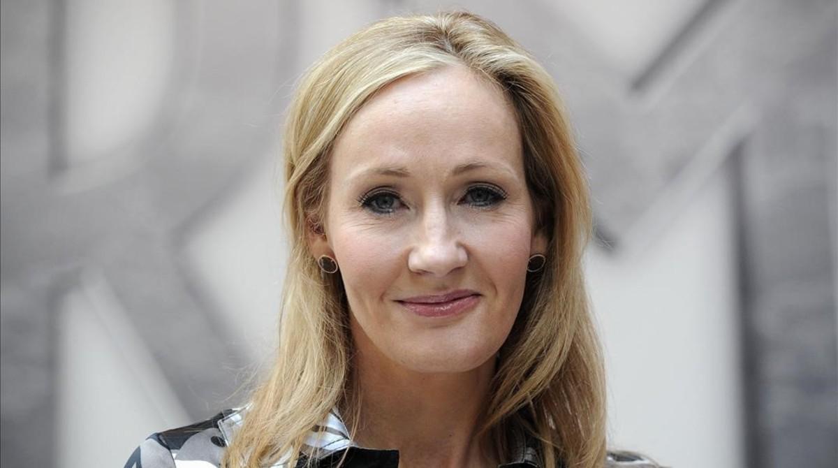 J.K. Rowling, la creadora de Harry Potter durante una presentación en Londres en 2011
