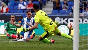 L'Espanyol prolonga la seva felicitat davant l'Alabès