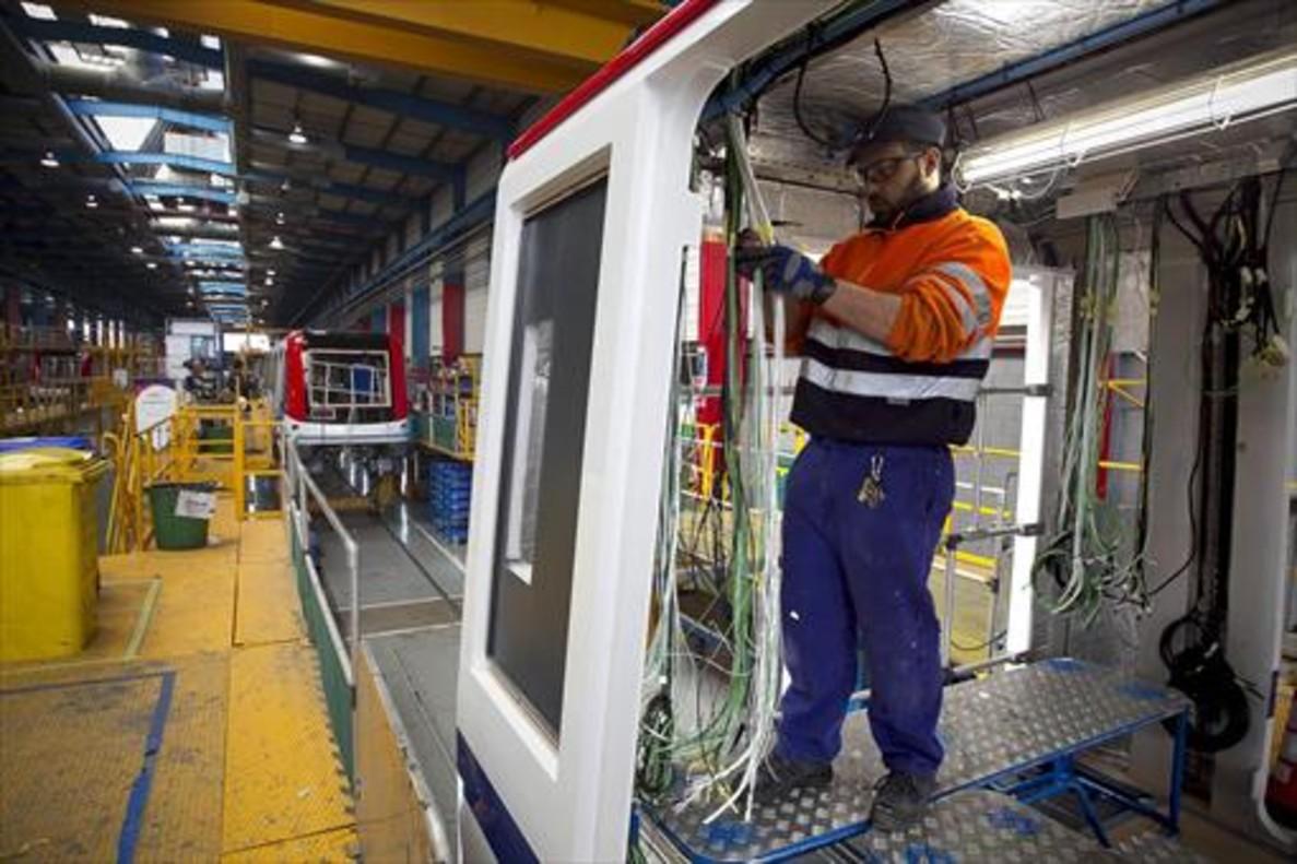 Construcción de vagones en la planta de Alstom.