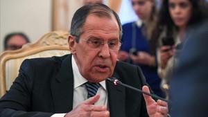 El ministro de Exteriores ruso, Serguéi Lavrov, se reúne hace unas semanas con el enviado de la ONU para Siria, Staffan de Mistura