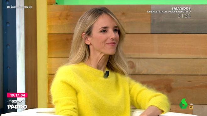 Cayetana Álvarez té un jersei groc
