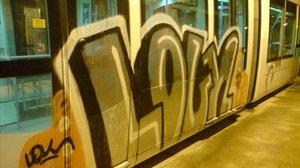 Un jutge condemna per delicte i no per falta dos grafiters del metro de Barcelona