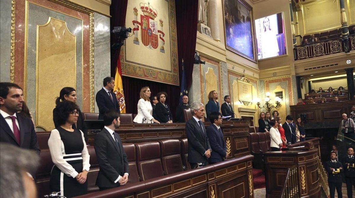 Constitución de las Cortes el 21 de mayo pasado, cuando los antiguos miembros de la Mesa pasaron el testigo a los nuevos tras las elecciones de abril.