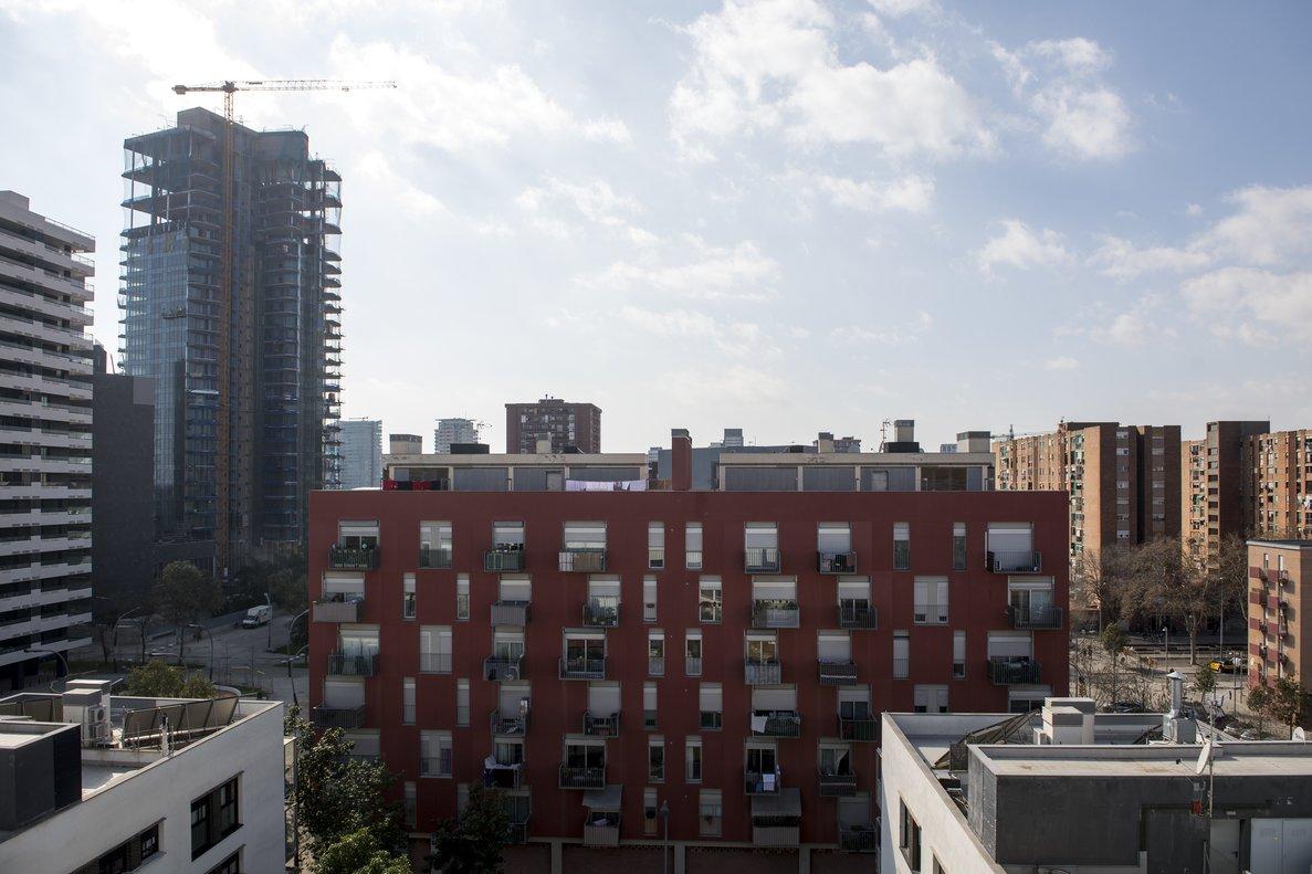 Imagen de unos apartamentos en construcción en Barcelona