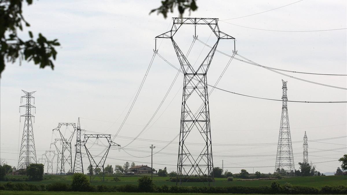 Les elèctriques reclamen a la CNMC que elevi la remuneració del sector