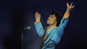 Prince. durante su actuación en laSuper Bowldel 2007, en elDolphin Stadium de Miami.