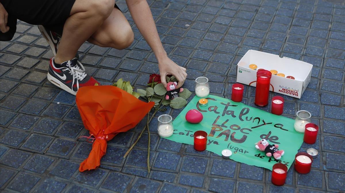 Hacer fotos o ayudar a las víctimas: qué hacer ante un atentado