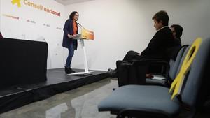 """Rovira reclama a Puigdemont un pacte """"fort i ferm"""" i """"no un acord a mitges"""""""