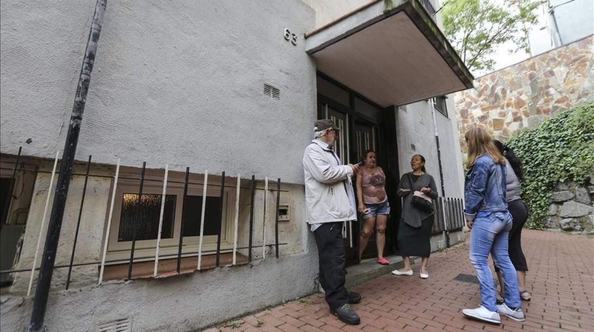 Desahucio parado en Ciutat Meridiana la semana pasada.