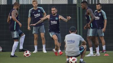 El Barça da los últimos retoques a la plantilla