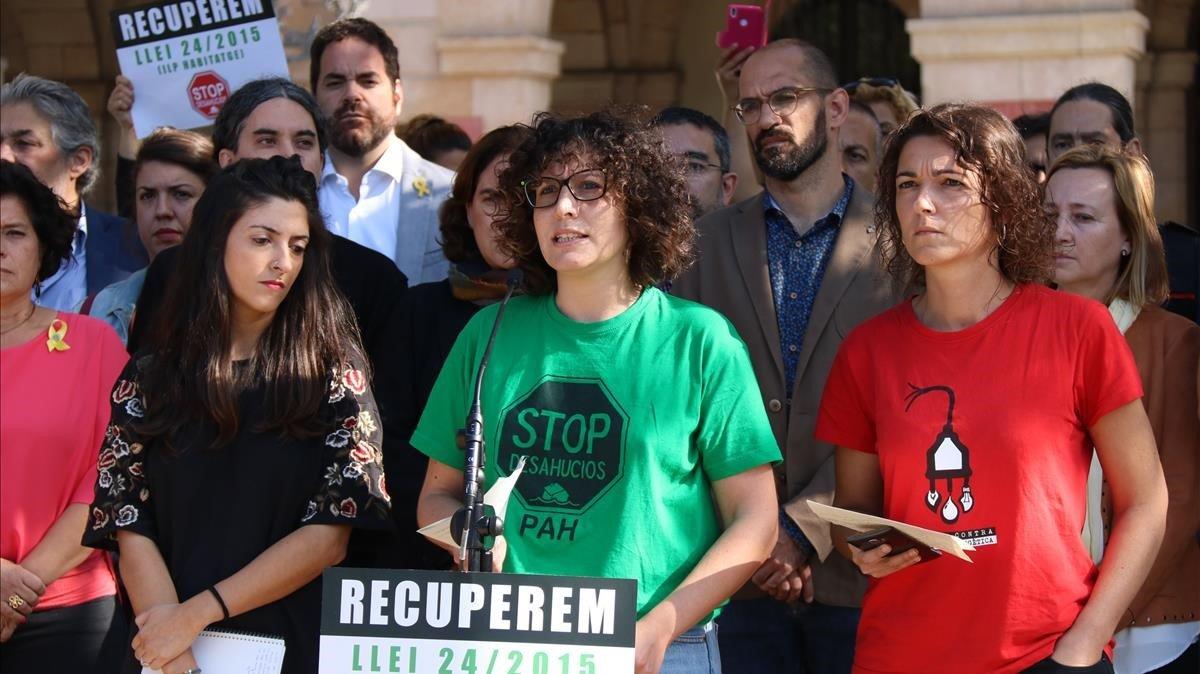 La portavoz de la PAH, Lucía Delgado, durante la presentación del manifiesto de la ILP antidesahucios, la semana pasada.