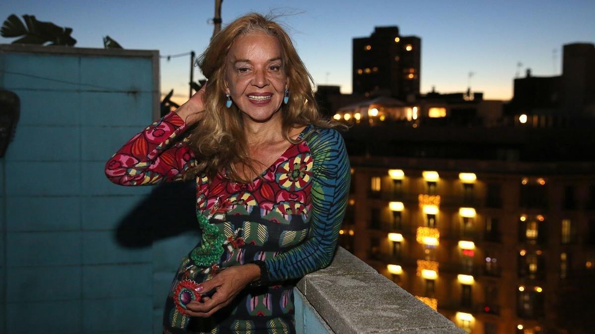 La transexual Silvia Reyes, en su casa en Barcelona.