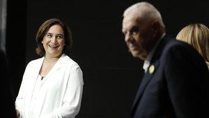 Ada Colau y Ernest Maragall poco antes de empezar el debate de TV3.