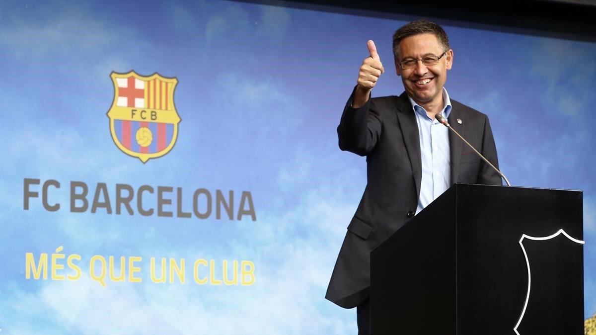 El presidente del F. C. Barcelona, Josep Maria Bartomeu, durante la rueda de prensa de este viernes.