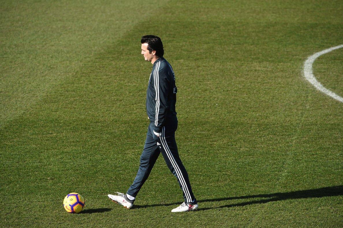 Santiago Solari durante el entrenamiento de este viernes del Madrid.