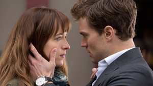 Dakota Johnson y Jamie Dornan en Cincuenta sombras de Grey.