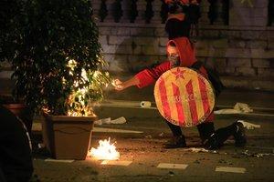 Els detinguts pels aldarulls: joves, catalans i sense antecedents