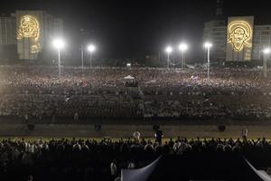 HAB24 LA HABANA (CUBA) 29/11/2016.- Miles de cubanos participan hoy, martes 29 de noviembre de 2016, en el acto celebrado para despedir al fallecido líder cubano Fidel Castro, en la Plaza de la Revolución de La Habana (Cuba). Al evento también asisten mandatarios y personalidades de varios países. EFE/Ernesto Mastrascusa