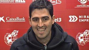 Ander Iraola en una de las ruedas de prensa del Mirandés.