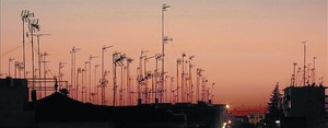 Imagen de antenas colectivas de edificios de viviendas.
