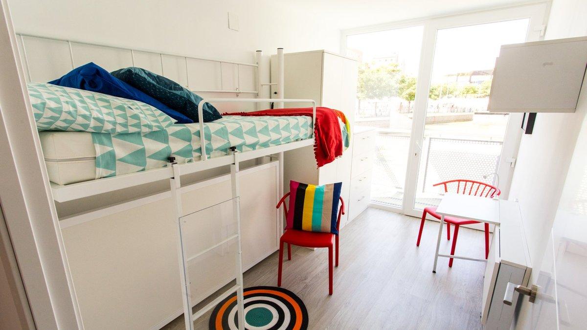 Un dormitorio de los primeros alojamientos de proximidad provisionales que se instalarán en Barcelona.