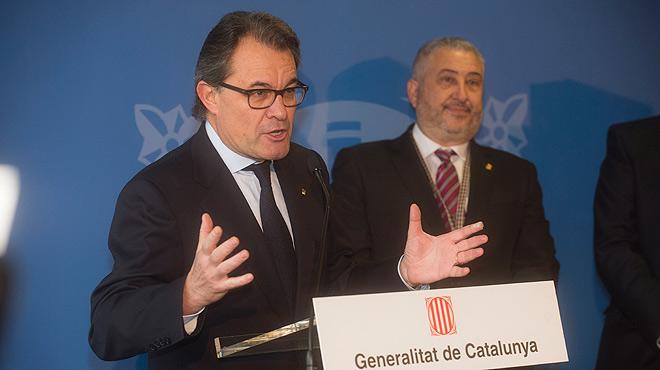 Durante la rueda de prensa posterior a la inauguración de una nueva cárcel en Tarragona, Artur Mas evita pronunciarse sobre la CUP pero asegura que el país está funcionando bien.