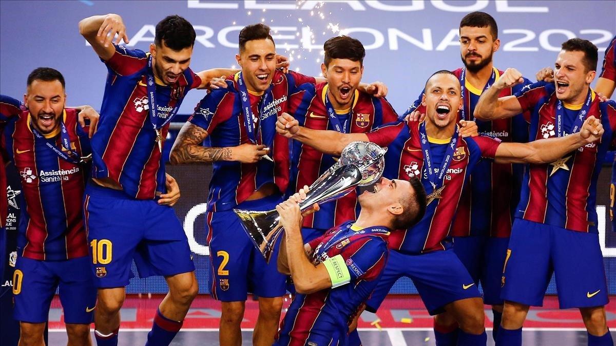 El Barça de fútbol sala celebrando la Champions 2020