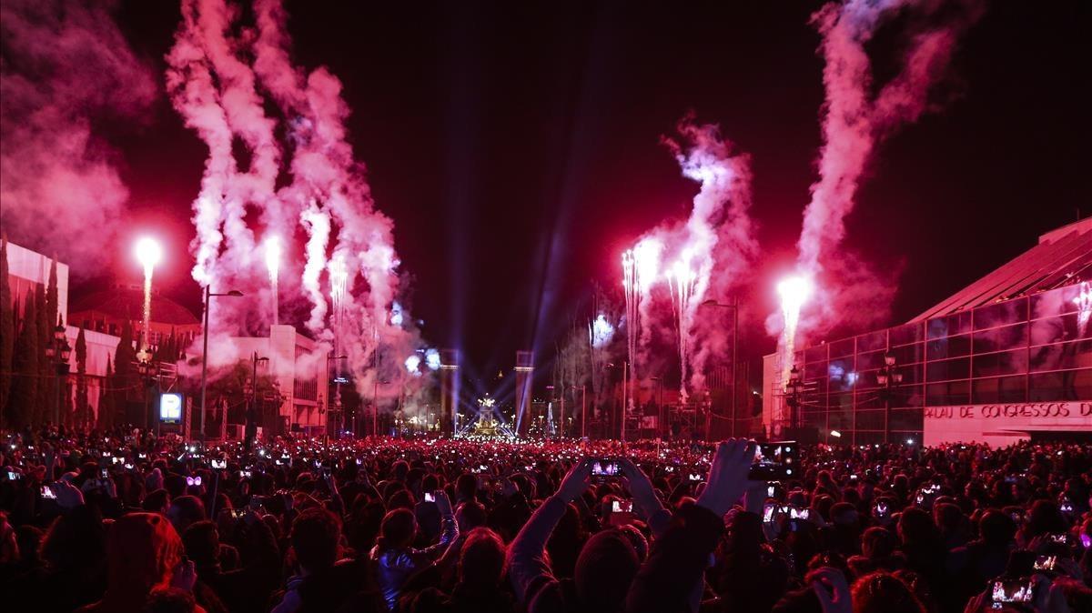 Celebración de la Nochevieja del 2016 en la avenida de Maria Cristina.
