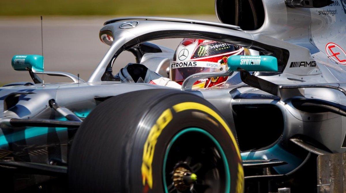 El británico Lewis Hamilton estrelló su Mercedes en el primer día del GP de Canadá.