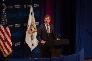 Chris Krebs ha sido despedido como director de la Agencia de Seguridad de Infraestructura y Ciberseguridad (CISA).