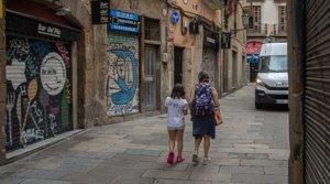 Comercios cerrados en el Barri Gòtic de Barcelona.