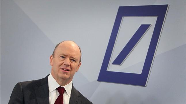 El copresidente del Deutsche Bank, John Cryan, en la sede de la entidad, en Fráncfort.