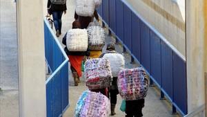 Dos mujeres mueren en una nueva avalancha en el lado marroquí de la frontera de Ceuta