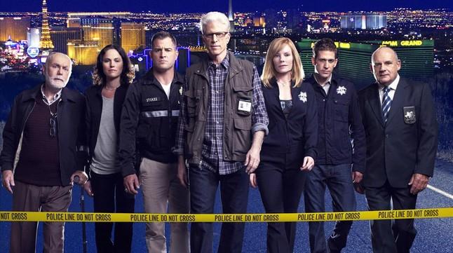 El elenco de CSI Las Vegas, con Ted Danson al frente.