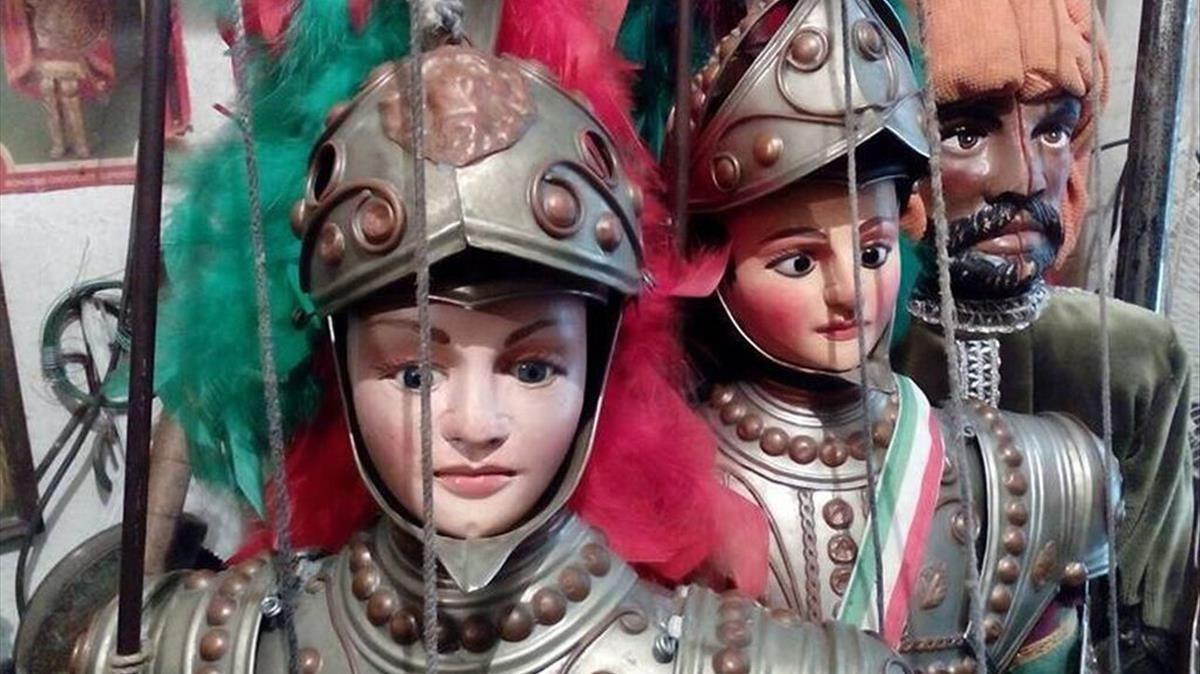 Algunos personajes de Opera dei Pupi, famosos títeres sicilianos.