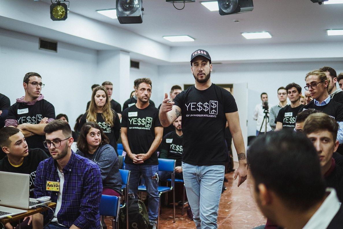 César Rivero, fundador de la escuela Inversores Inteligentes.