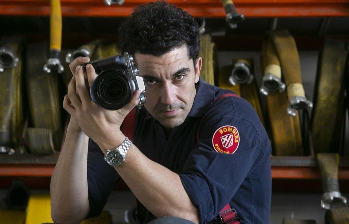 Francesc Plana, bombero y fotógrafo.